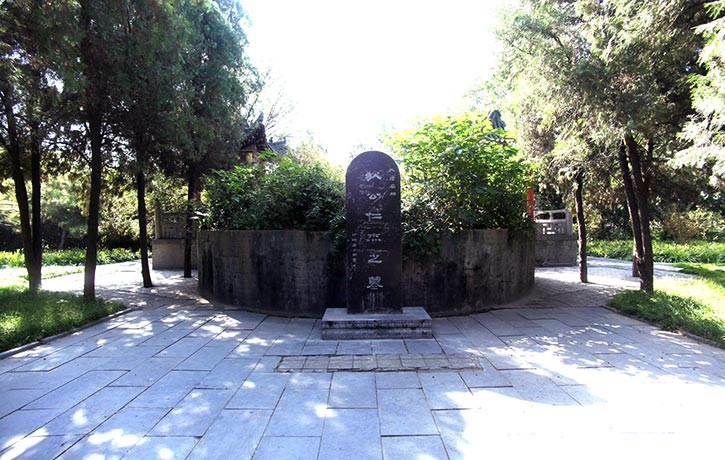 The real Di Renjie's Tomb