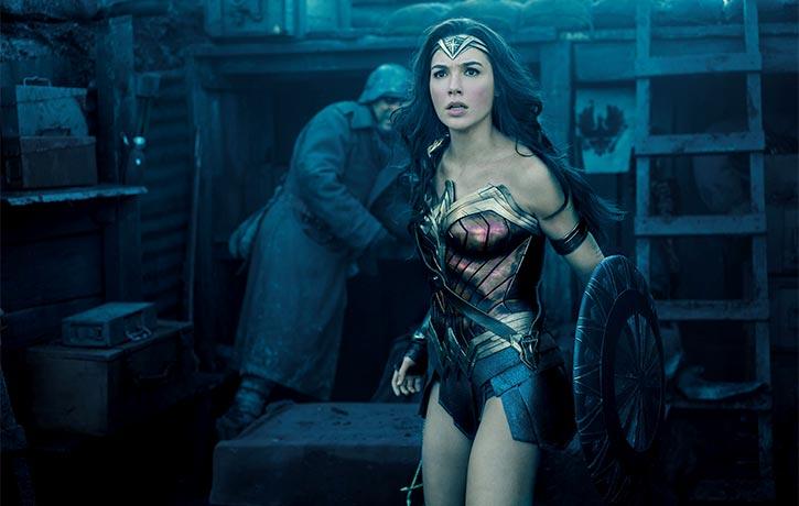 Wonder Woman arrives in the heat of battle