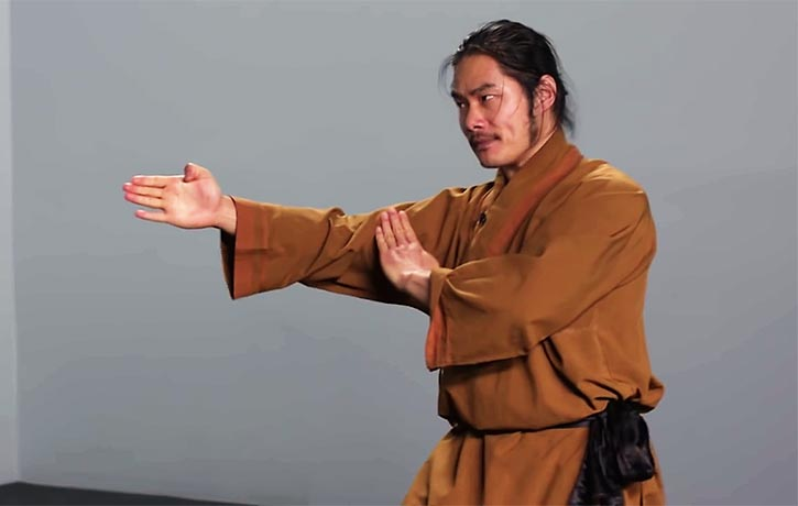 Shifu Wang demonstrates a powerful striking technique with the fingers