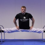 The Ginger Ninja does an even split with Kung Fu Kingdom
