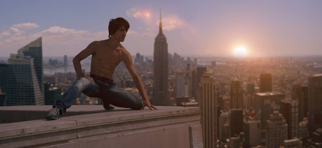 Aziz in Spider-Man repose in New York