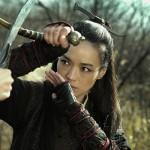 Yinniang deflects an incoming attack