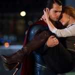 Superman catches Lois Lane just in the time