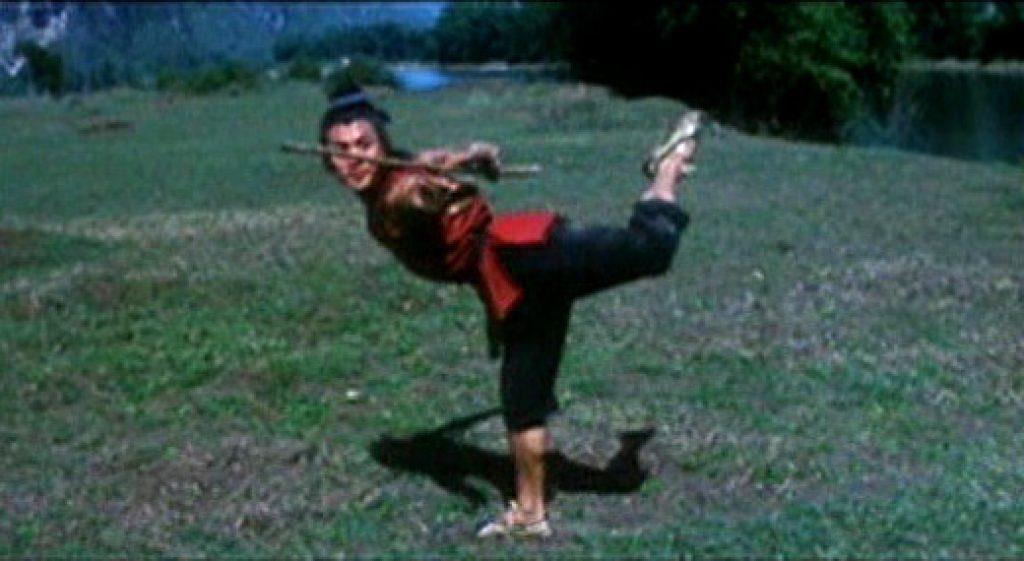 Jet Li performs a Gunshu Cudgel form 02