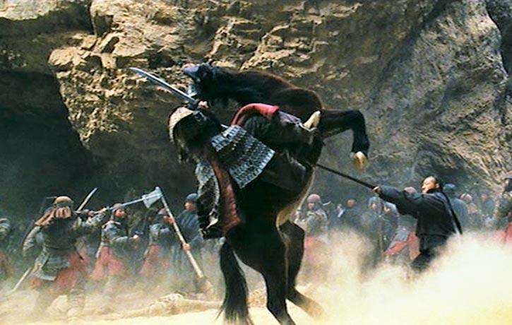 Qingyun joins the bandits on a raid