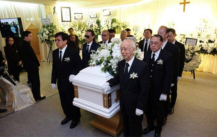 Jackie Chan and Raymond Chow were pallbearers at Willie Chan's funeral