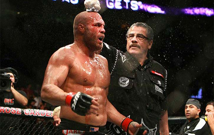Stitch cools off Randy Couture for the next round 1