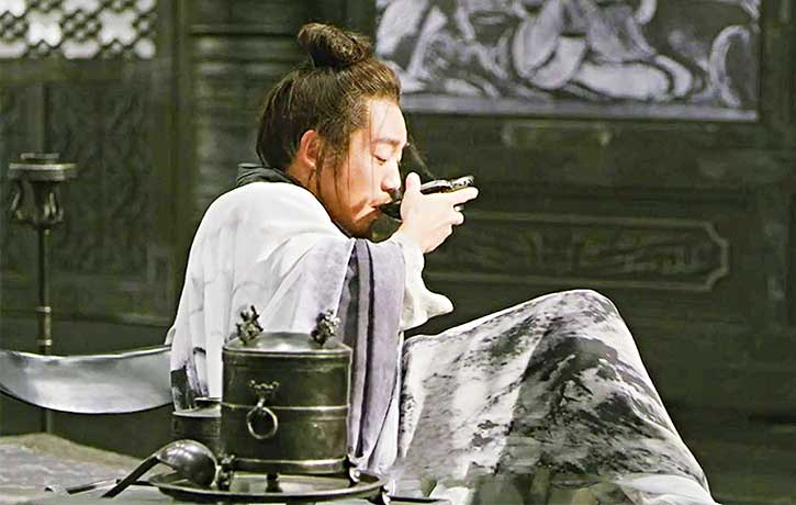 King Peiliang tries to broker an uneasy peace