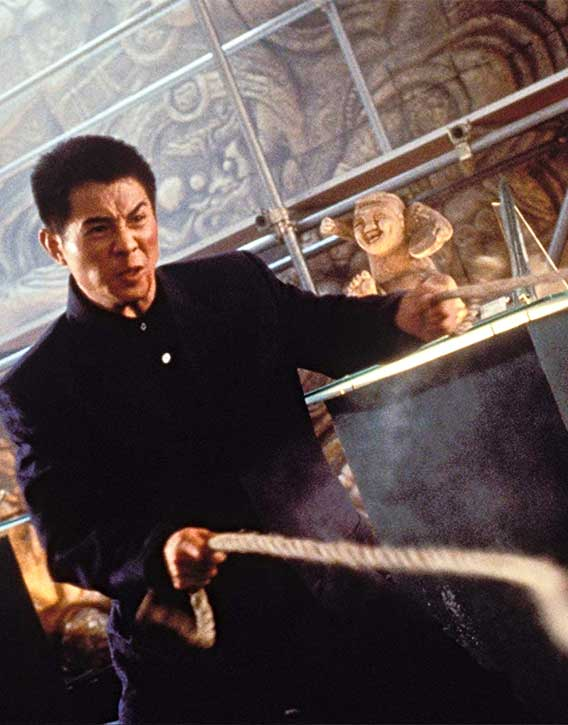 Jet Li has some silky rope skills