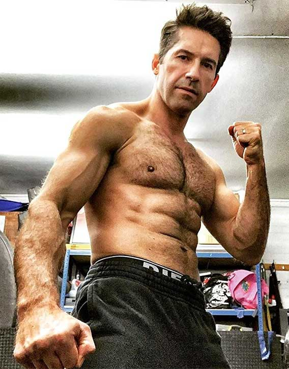 Scott Adkins always in shape and ready to spar