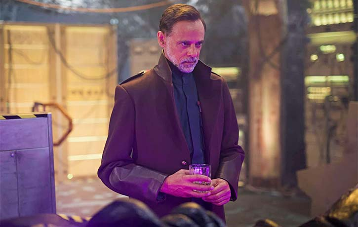 Alexander Siddig as General Radford hasnt been entirely upfront with his crew