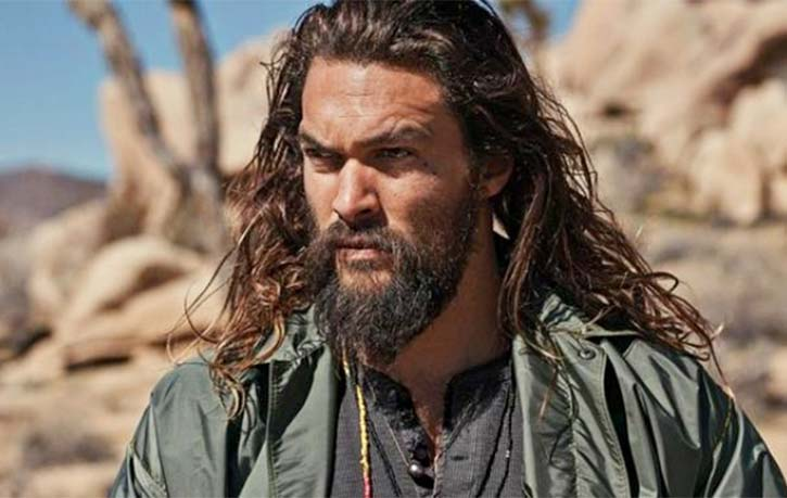 On Jason Mamoa Hes a good mover