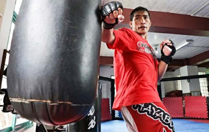 Folayang during a training session