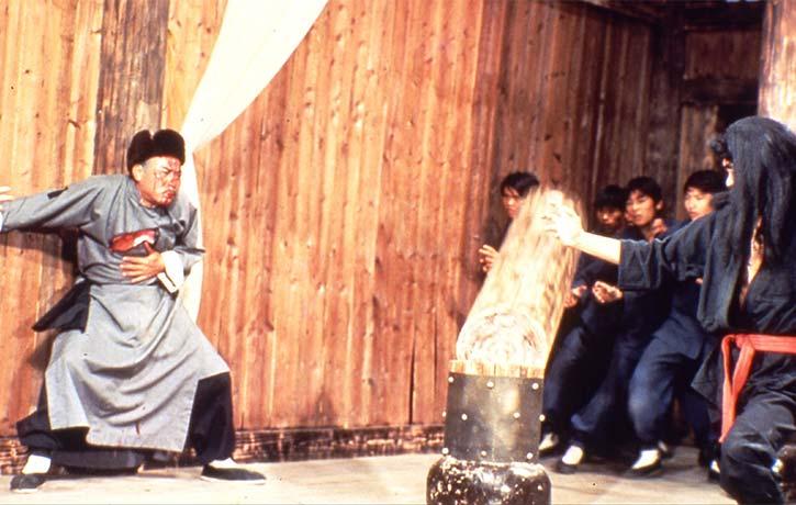The deadly Okinawan karate Master Erh Ku Da Leung fights Master Han