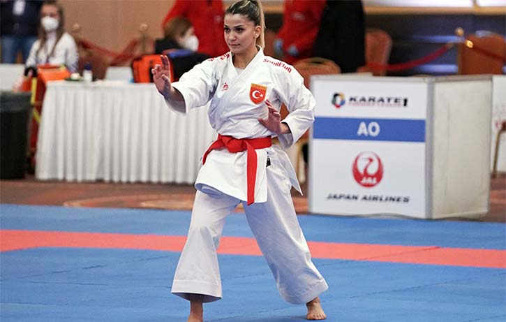 Dilara Bozan performing her Kata at Paris Qualifier