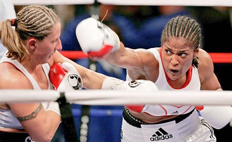 "Laila ""She Bee Stingin"" Ali- Top 5 Boxing Finishes - Kung Fu Kingdom"
